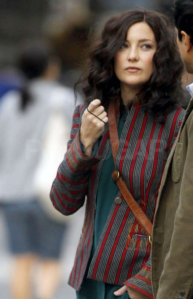 Kate debuted her darker locks on the set of The Reluctant Fundamentalist in NYC.
