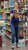 Keri Russell got help with Honey Nut Cheerios while grocery shopping.