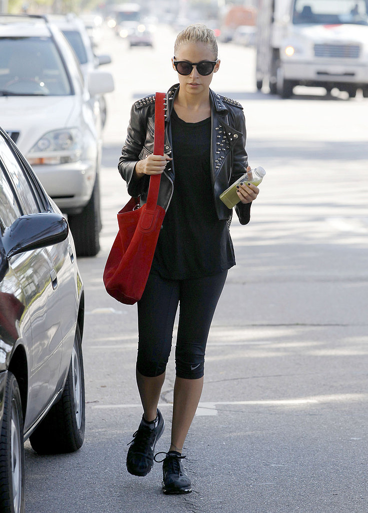 Nicole Richie carried a green juice from the gym in LA.