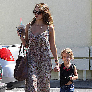 Jessica Alba and Honor Warren Eat at Starbucks Pictures