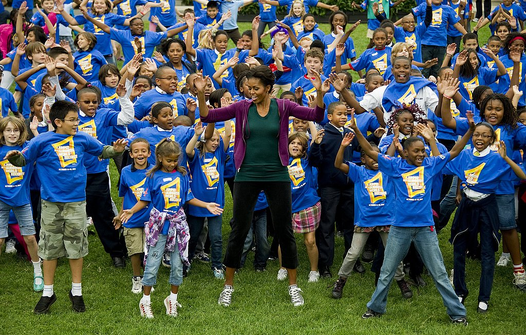 Michelle Obama is joined by hundreds of kids on the White House lawn.