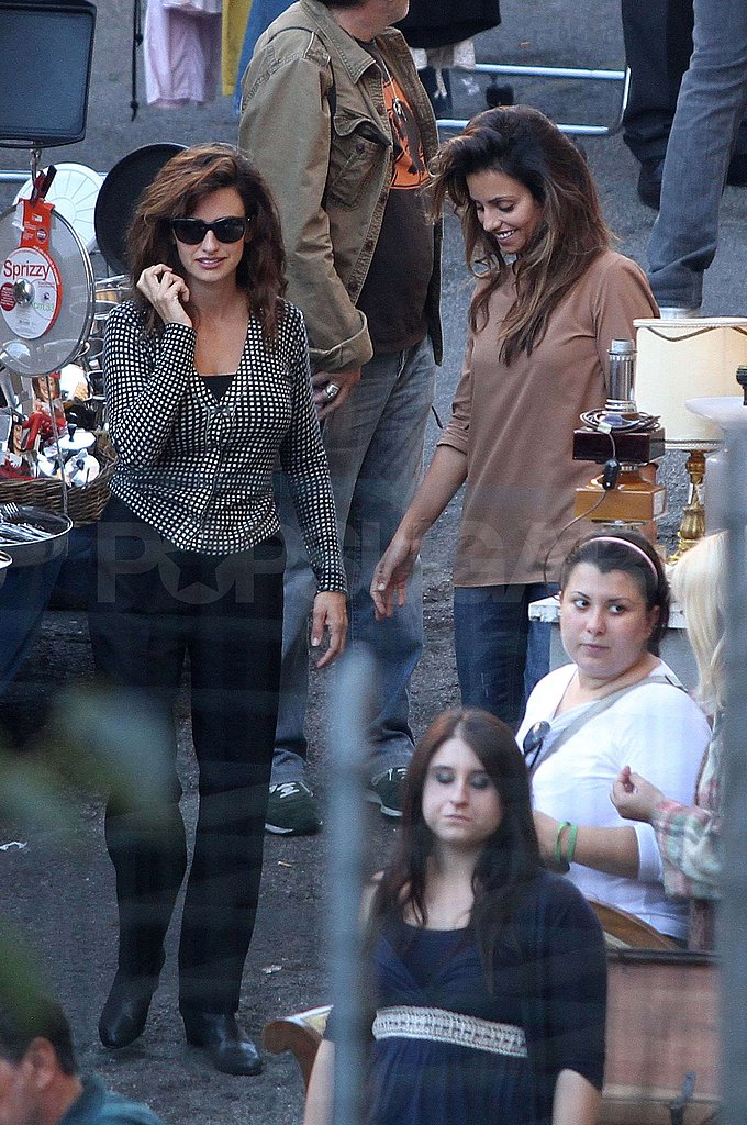 Penelope Cruz toured Rome with her sister Monica Cruz.