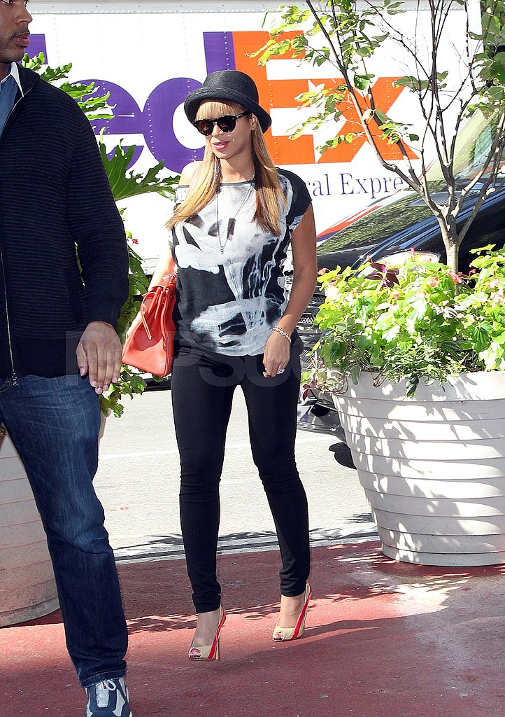 Beyoncé Knowles wearing a hat in NYC.