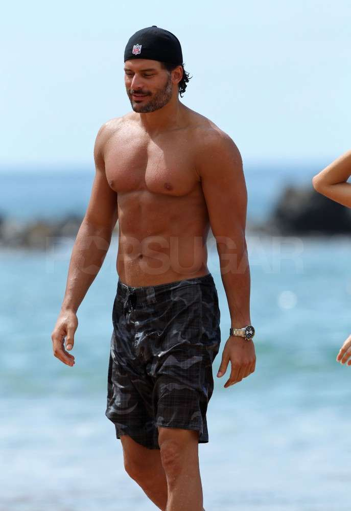 Joe Manganiello revealed his shirtless shape in Hawaii.