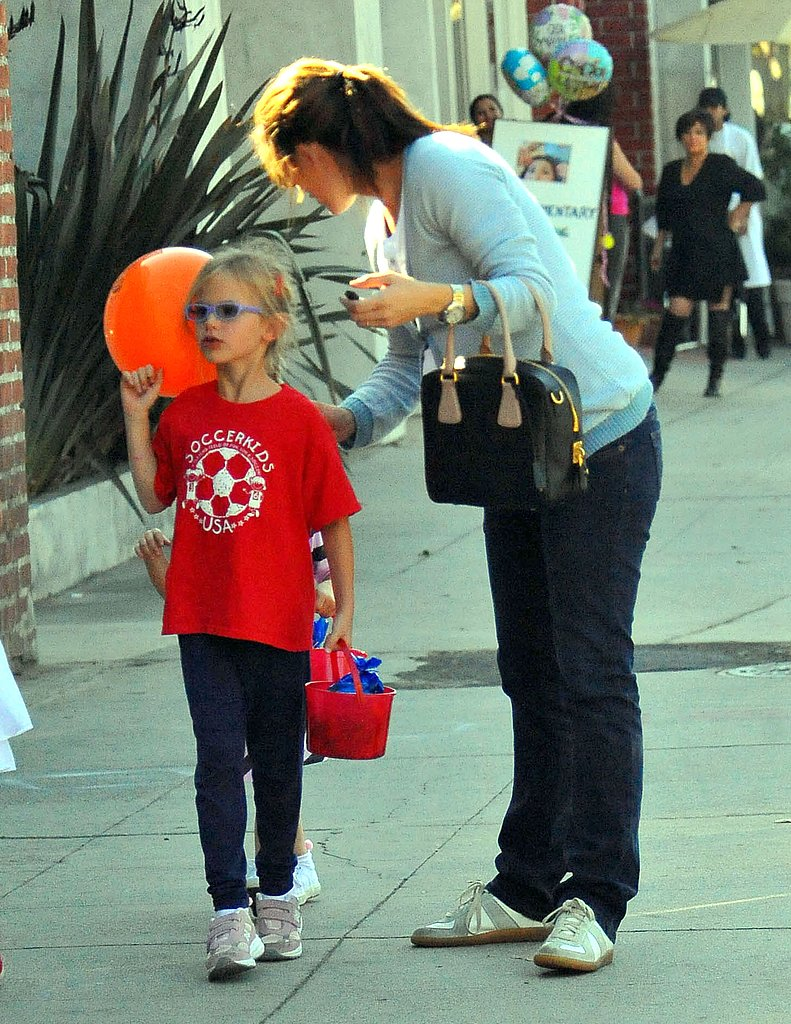 Jennifer Garner takes Violet and Seraphina trick-or-treating in LA.
