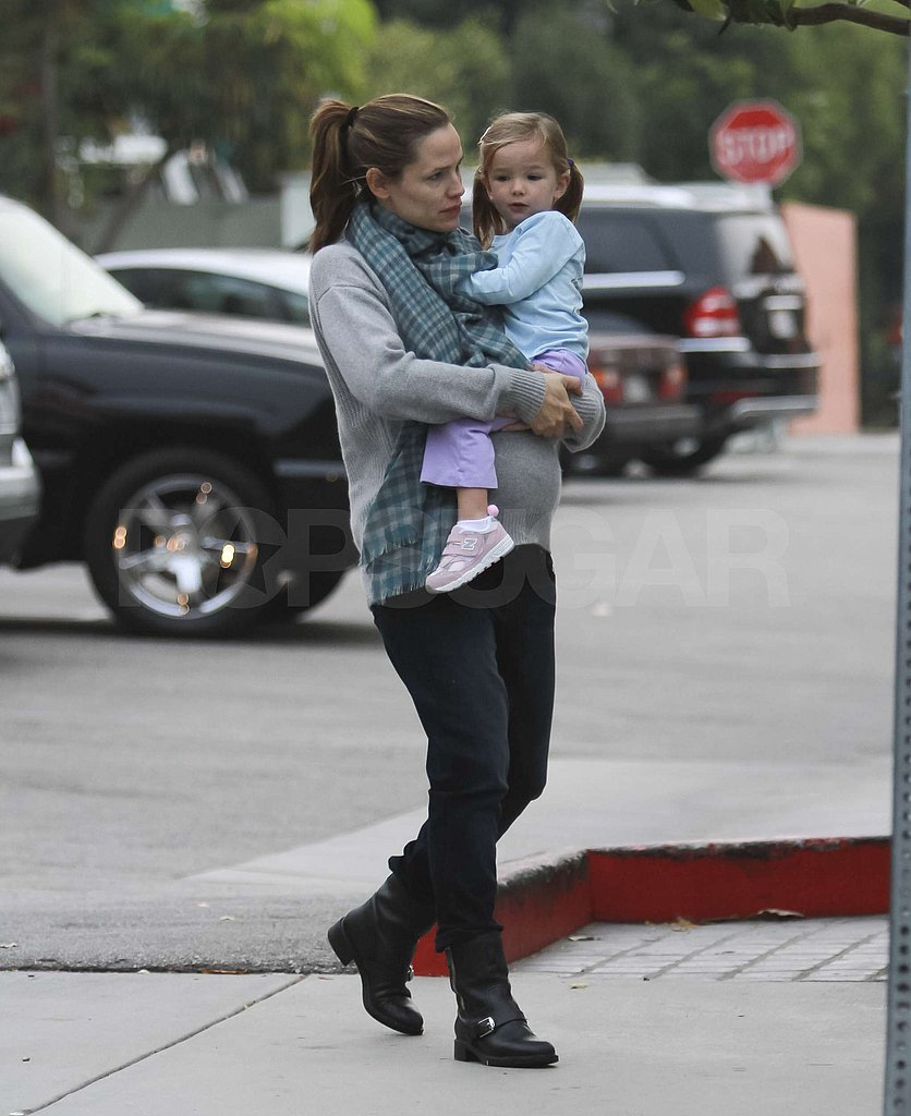 Seraphina Affleck hitched a ride on Jennifer Garner's hip.