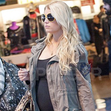 Jessica Simpson Looking Pregnant Video