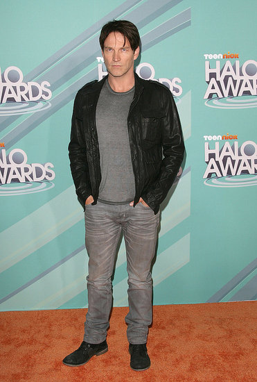 Stephen Moyer looked cool in his leather jacket.