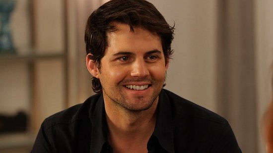 Ringer Cutie Kristoffer Polaha on Sarah Michelle Gellar and the Show's Next Big Twist