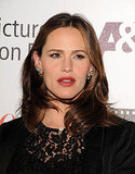 Jennifer Garner wore dark red lipstick.