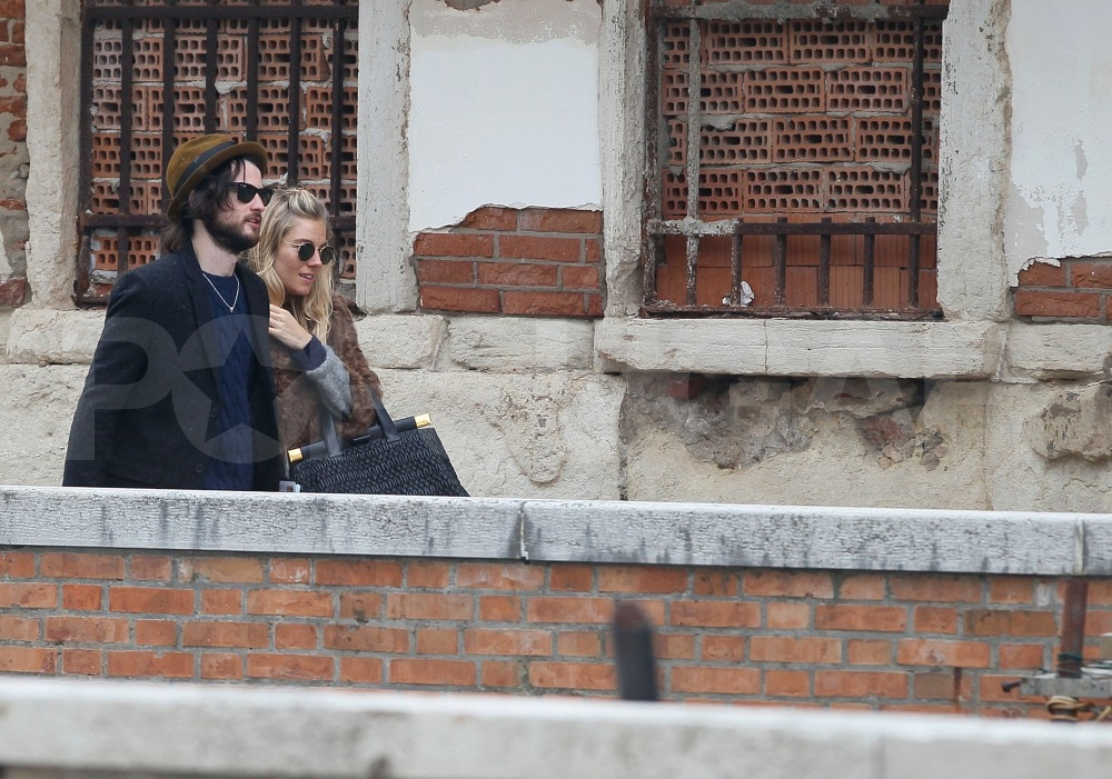 Sienna Miller and Tom Sturridge had a romantic Venetian vacation.