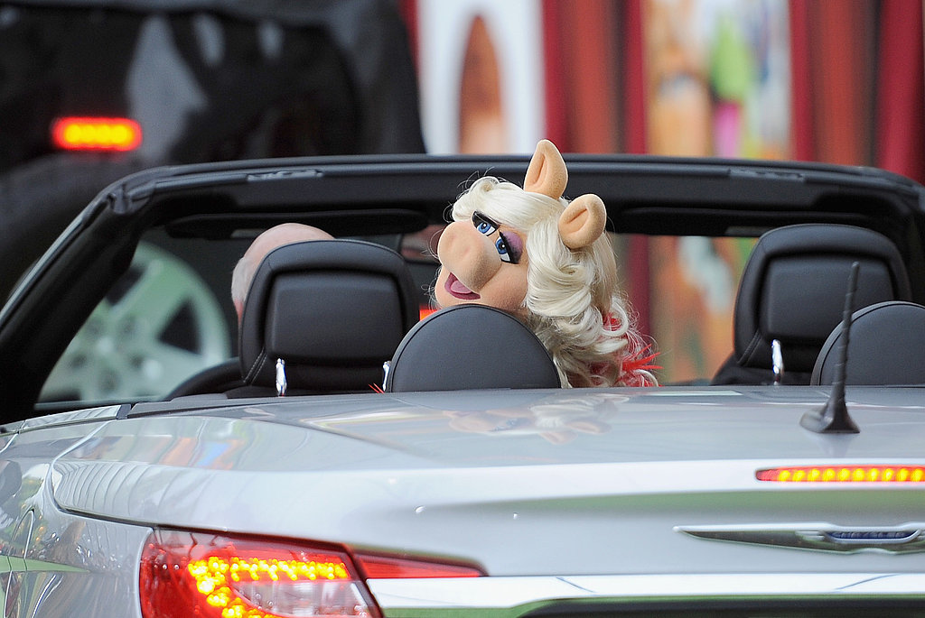 Miss Piggy blew kisses to her loving fans.