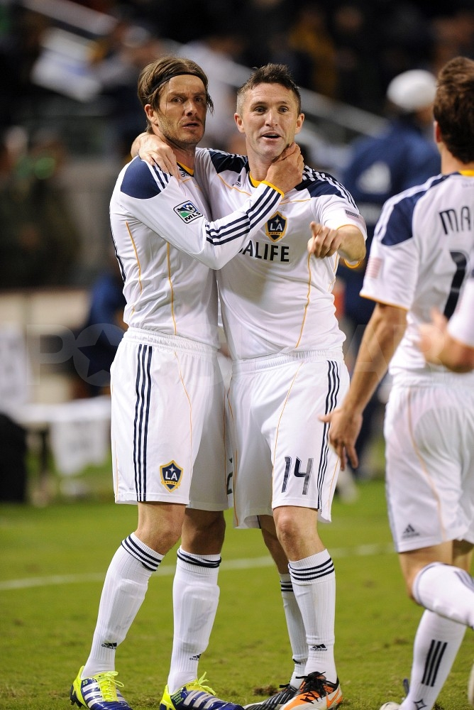 David Beckham hugged his teammate.