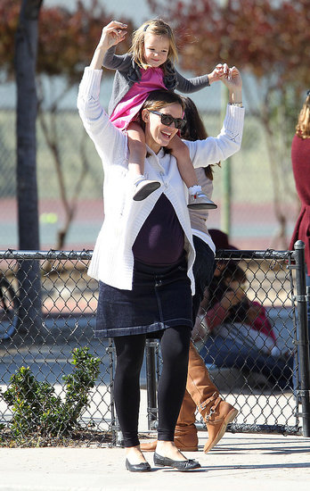 Jennifer Garner Grabs Seraphina For an Adorable Park Day