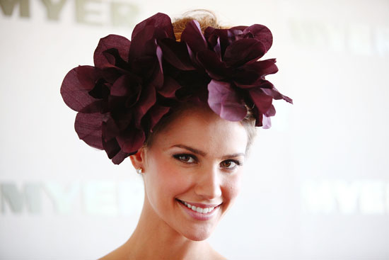 Show Pony: All the Beauty Looks From 2011 Stakes Day