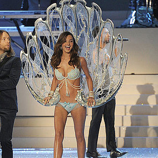 Victoria's Secret Fashion Show 2011 Runway, Angel and Lingerie Pictures
