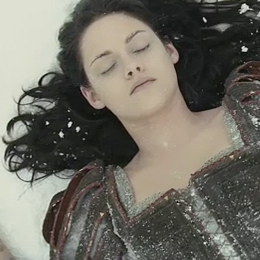 Snow White and the Huntsman Trailer
