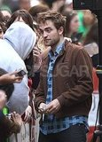 Robert Pattinson talked with his fans at The Today Show.