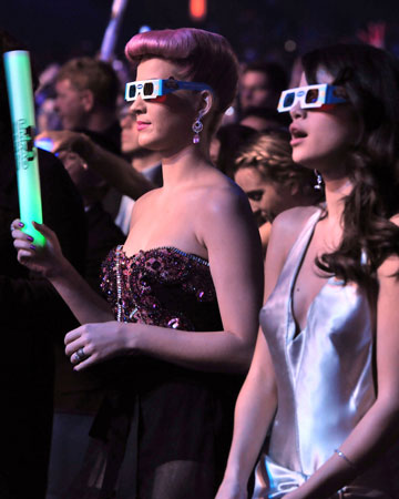 Katy Perry and Selena Gomez sported 3D glasses.