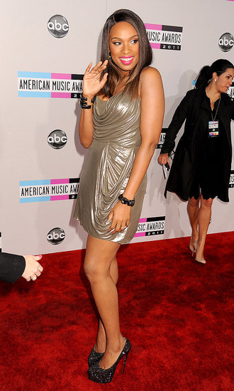 Jennifer Hudson Makes Her AMAs Entrance in a Metallic Mini