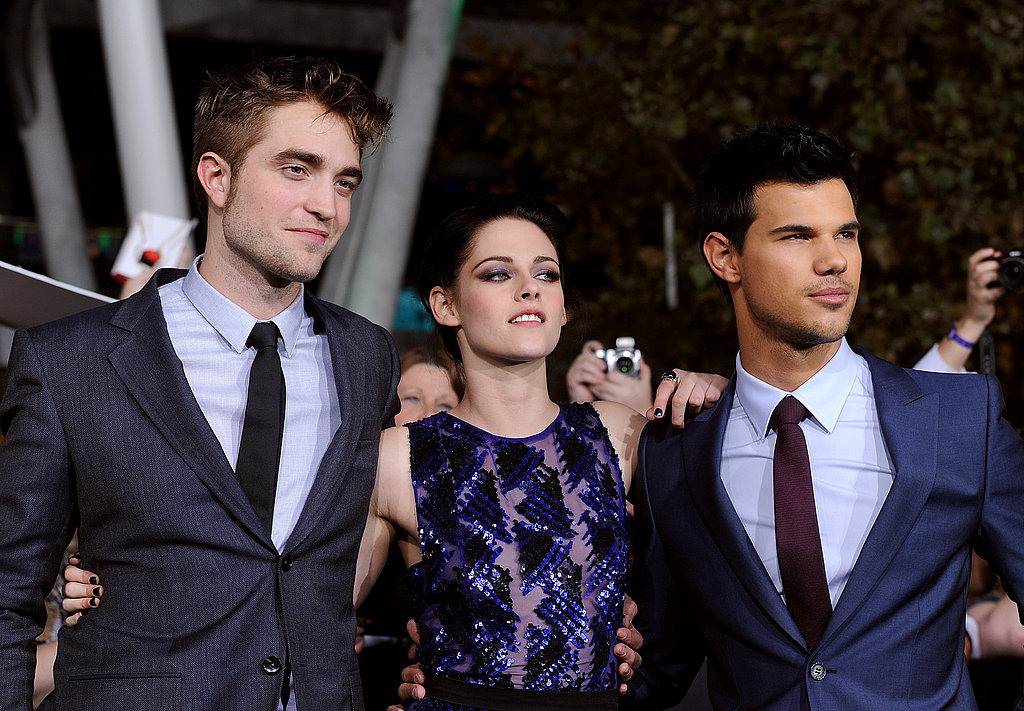 Robert, Kristen, and Taylor teamed up on the carpet.