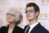 Jane Aronson and Andrew Garfield put on pipe-cleaner glasses.