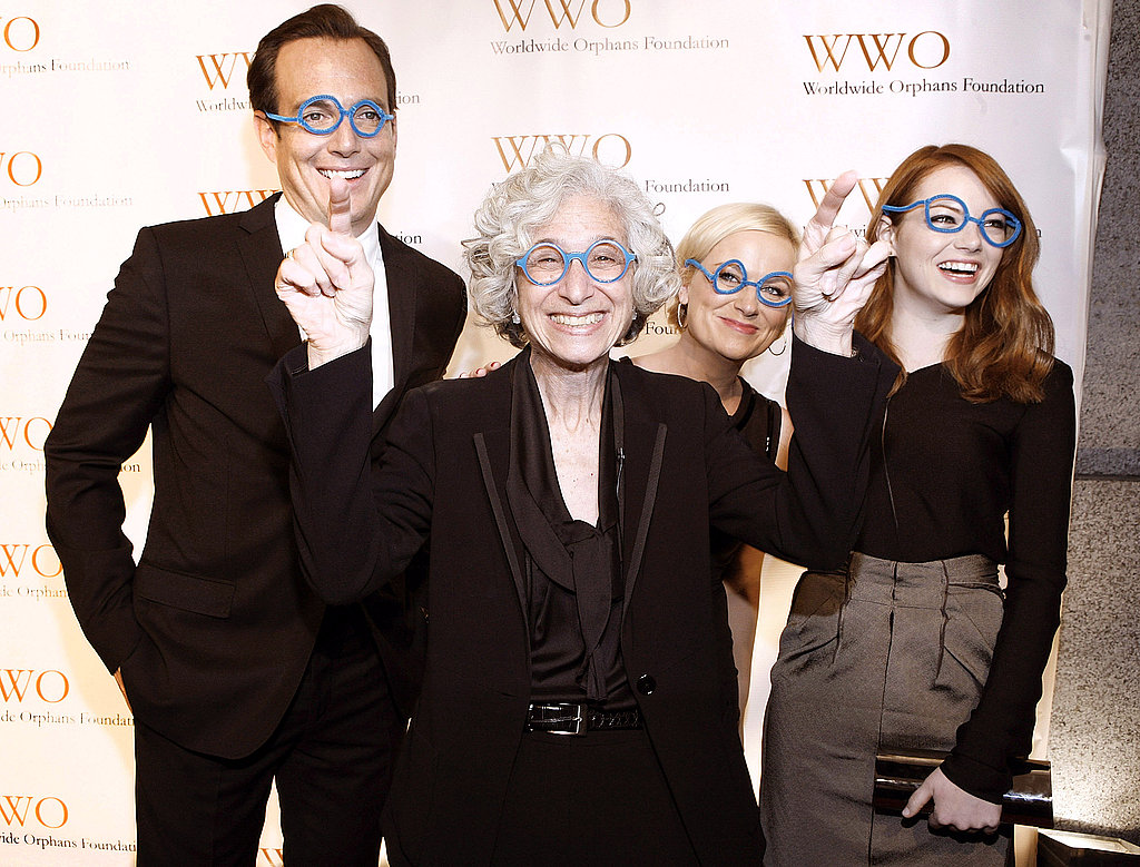 Will Arnett, Jane Aronson, Amy Poehler and Emma Stone goofed around on the red carpet.