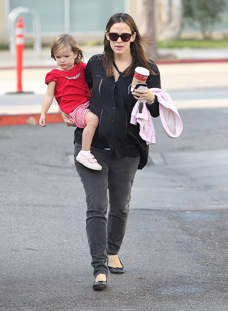 Jennifer Garner and Seraphina Affleck hit up a Starbucks.