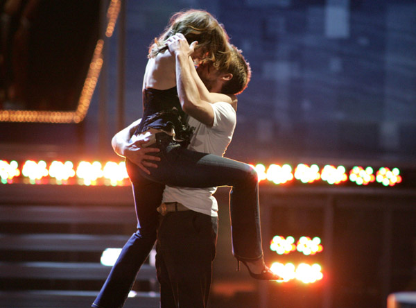 Rachel and Ryan shared a steamy kiss at the 2005 MTV Movie Awards — and we still can't get over it.