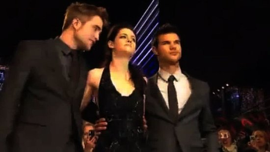 "Video: Kristen Stewart Says Bella Was ""Born to Be a Vampire"" at the Breaking Dawn London Premiere!"