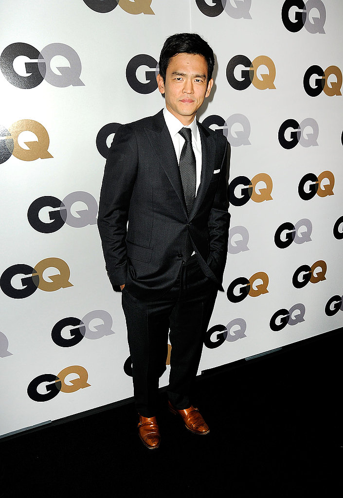 John Cho accented his suit with dark brown shoes.