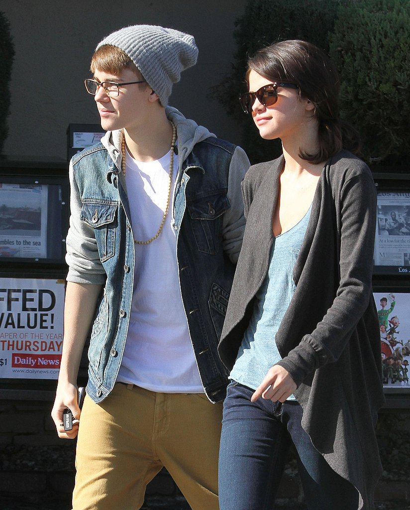 Justin Bieber and Selena Gomez held hands.