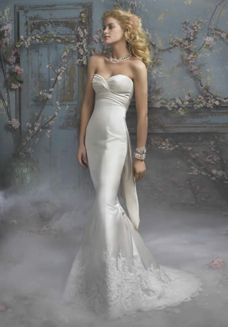 Strapless mermaid wedding gowns bring the unique from up to women feminine