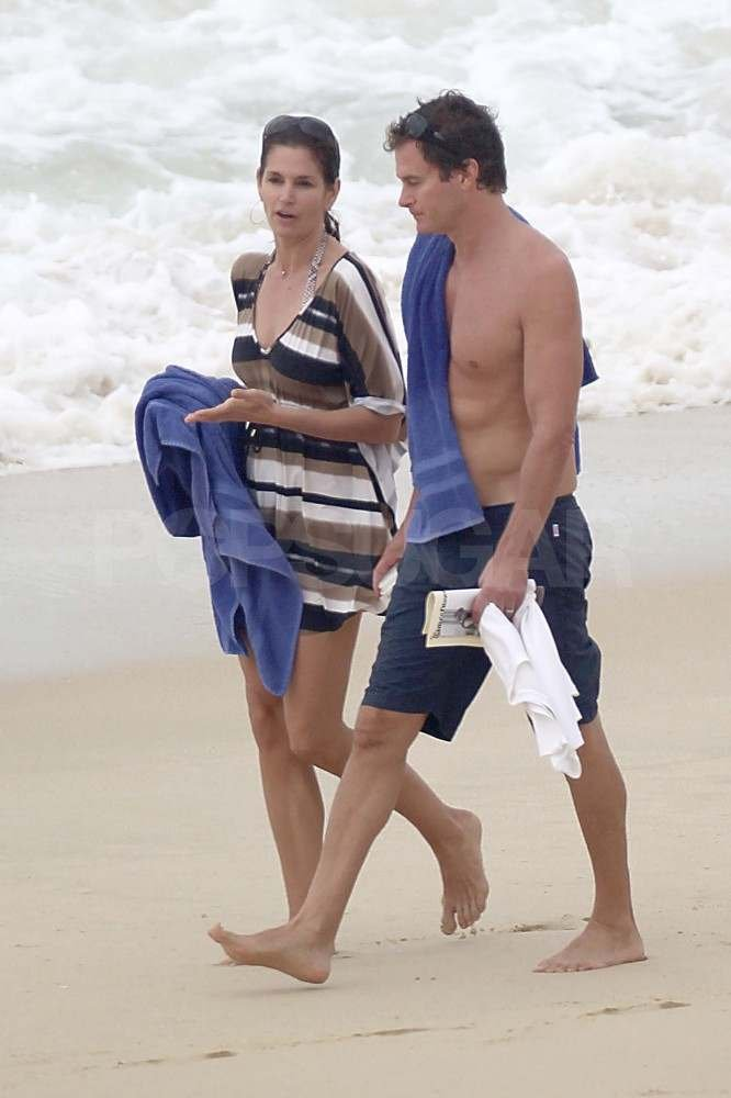 Cindy Crawford in Mexico with shirtless Rande Gerber.