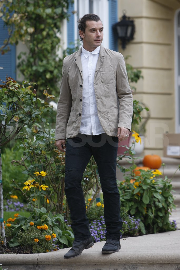 Gavin Rossdale arrived at Gwen Stefani's parents' house.