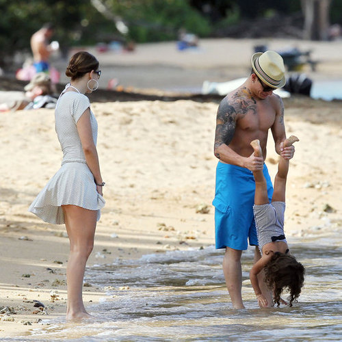 Jennifer Lopez With Kids and Casper Smart in Hawaii Pictures