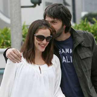 Jennifer Garner and Ben Affleck Kissing Pictures