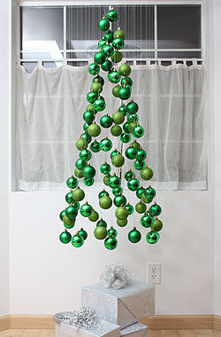 Christmas Tree Ornament Mobile