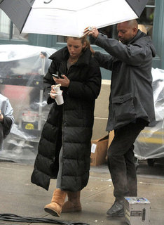 Blake Lively Rainy Gossip Girl Set Pictures