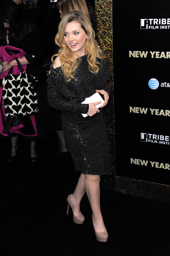 Abigail Breslin wore all black to the festive premiere.