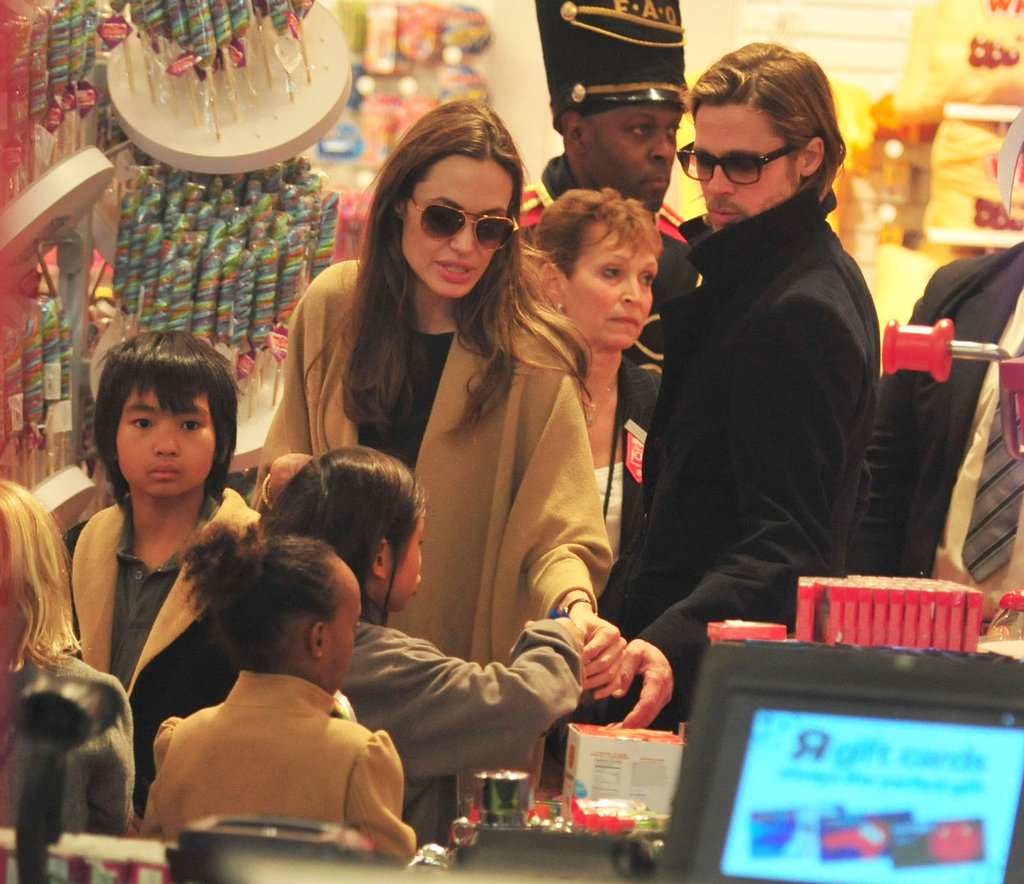 Maddox, Pax, Zahara, and Shiloh visited FAO Schwarz with Brad and Angelina.