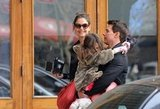 Katie, Suri, and Tom took a family stroll through Manhattan.