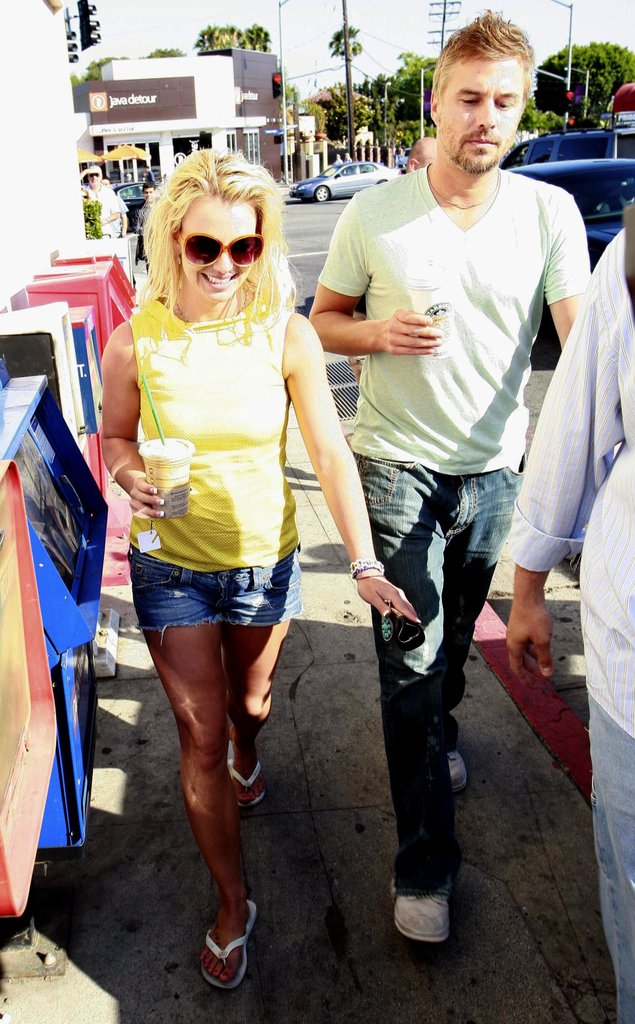 Brit and Jason had a sunny stroll in LA in June 2009.