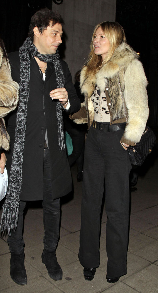 Kate Moss and Jamie Hince waited for their car.
