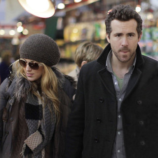 Blake Lively & Ryan Reynolds Vancouver at Christmas Pictures