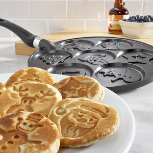 Holiday Pancakes Pan