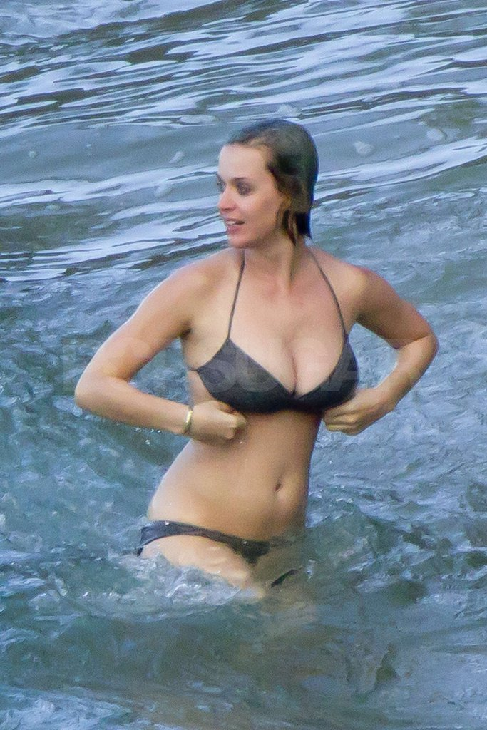 Katy Perry Has a Bikini-Filled Christmas in Hawaii With Friends