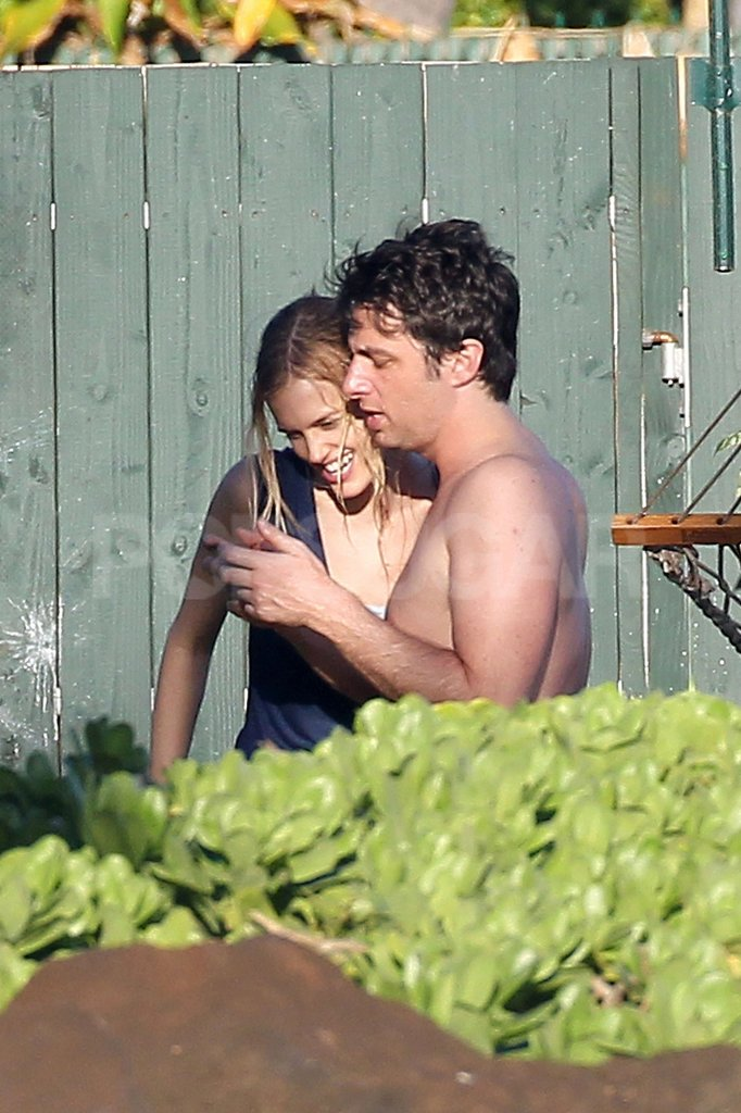 Zach Braff and Taylor Bagley were arm in arm in Hawaii.