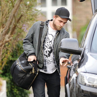 Robert Pattinson Says Bye to Parents Post Christmas Pictures