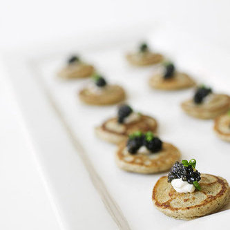 Difference between hors d 39 oeuvres vs appetizers for Canape hors d oeuvres difference